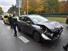 Verkeer staat op Neerbosschweg in Nijmegen tijdelijk stil door ongeluk