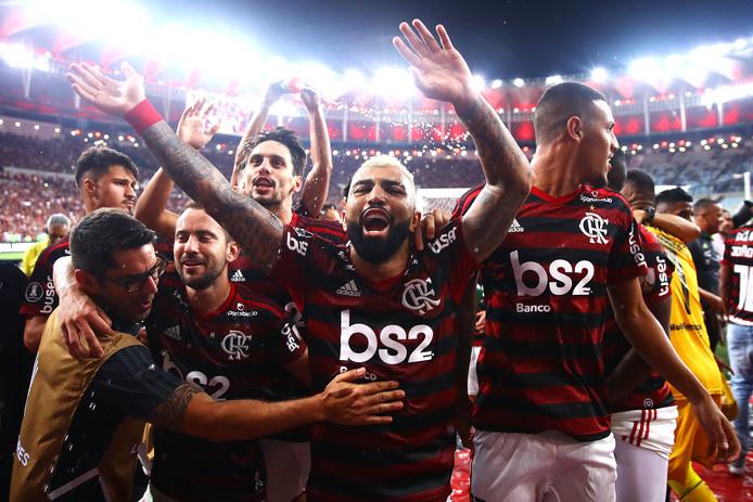Gabigol en zijn teamgenoten vieren feest na de 5-0 zege op Grêmio.