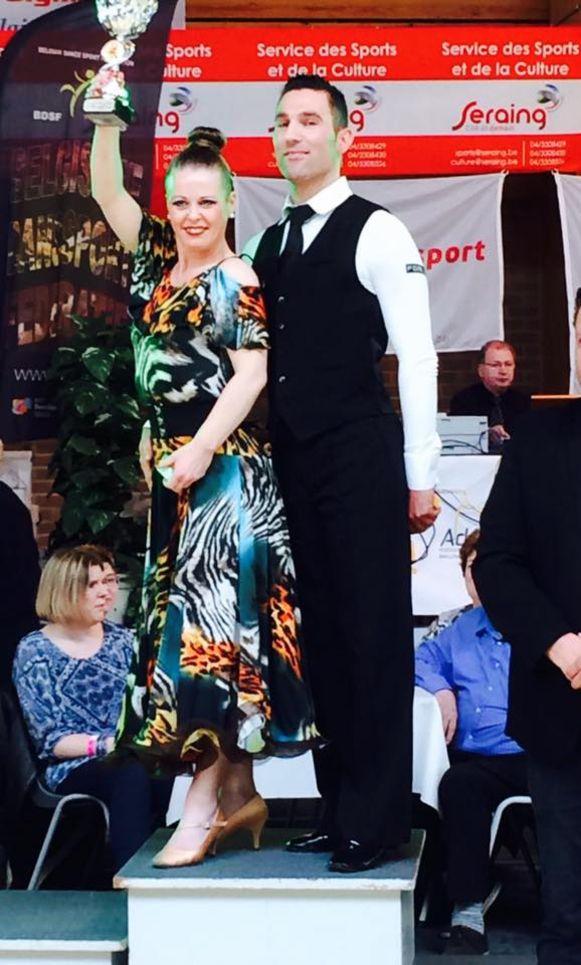 Mario Nijs en Sandra Feyaerts nemen aanstaande zondag deel aan het Benelux Kampioenschap Ballroom dansen.