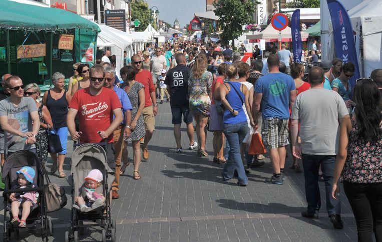 De braderij lokt ieder jaar een massa volk naar de Bergstraat