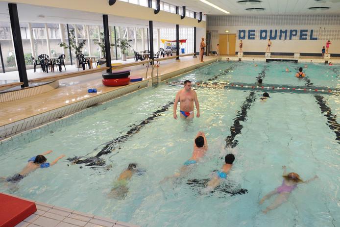 Het huidige zwembad van Velp, dat in 2020 vervangen wordt door een nieuwe bad, mét doelgroepenbad en peuterbad.