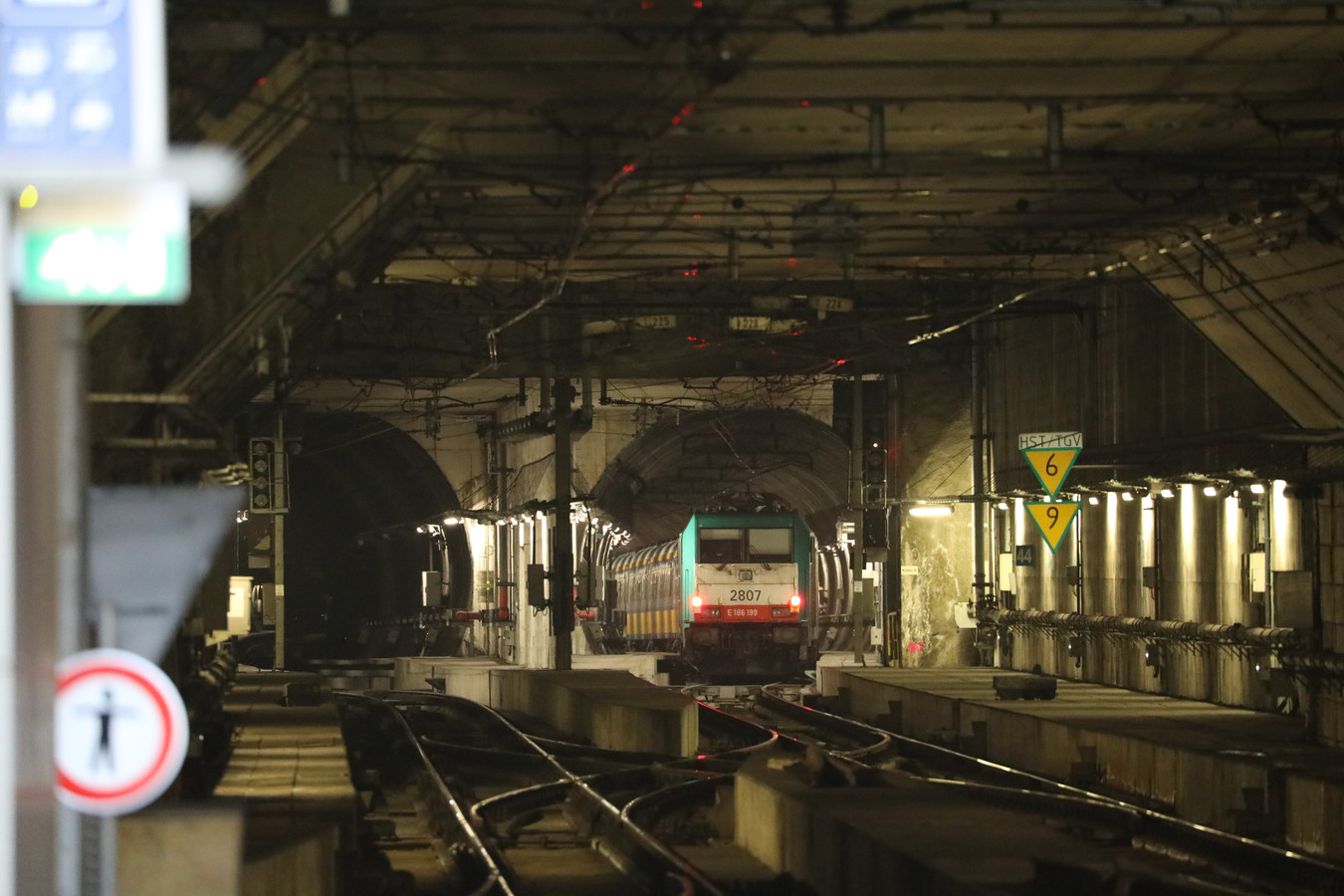 De trein strandde zo'n 200 meter van het perron in het Centraal Station.