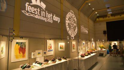 Serristen stellen druiven fruit tentoon op 44ste Druivententoonstelling