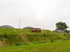 Hulpje van de politie spelen in Fort 1881