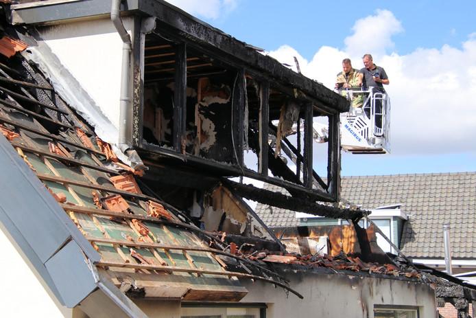 Onderzoek naar de oorzaak van de brand in woning aan de Rietweg in Goes.