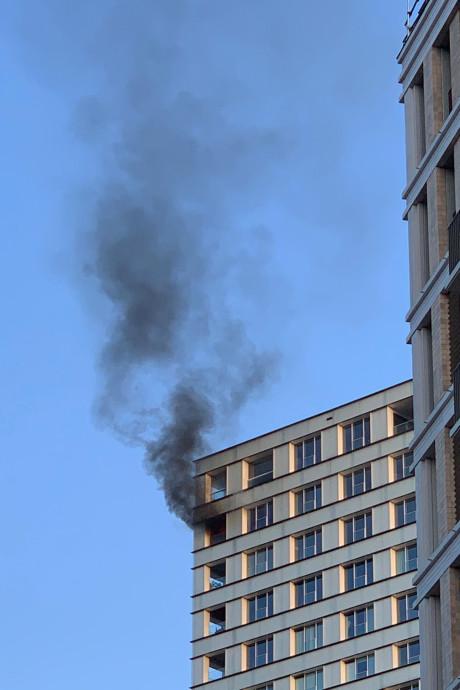 Bewoner gewond bij uitslaande brand in Jheronimustoren Den Bosch