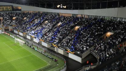Supporters doen stadion al bij begin van de match ontploffen: alles blauw-wit