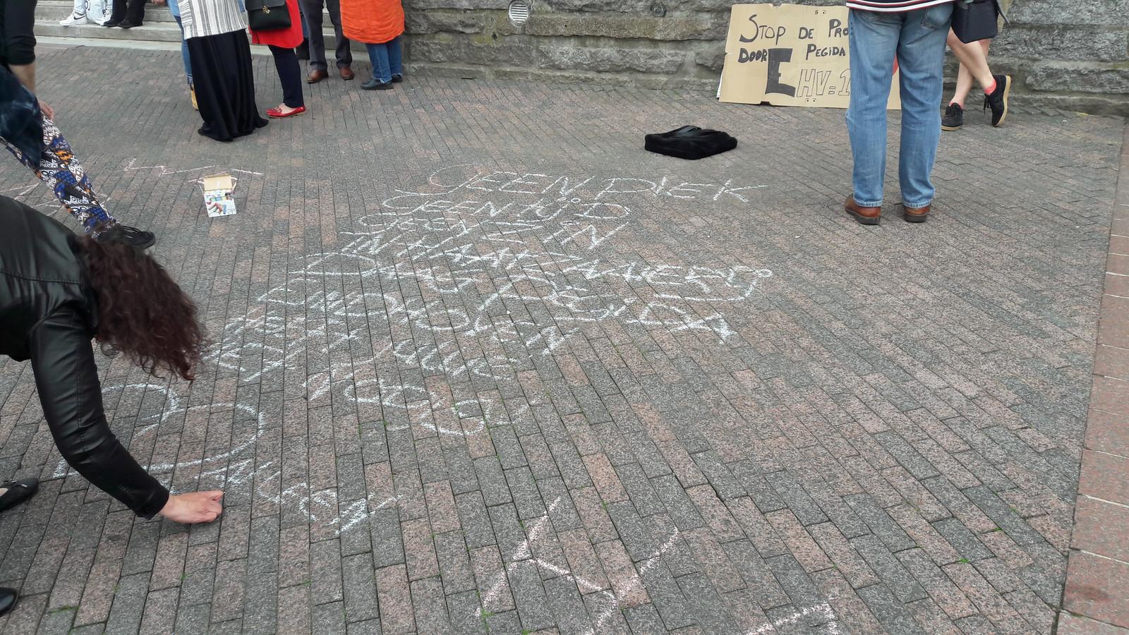 Demonstratie op het Stadhuisplein tegen Pegida