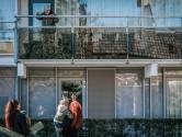 Corona-uitbraak in zorgflat Apeldoorn, deuren op slot voor bezoekers: 'Dit is even schrikken'