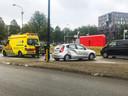 Op de Laan van de Mensenrechten in Apeldoorn is een auto op een lantaarnpaal gebotst. heeft donderdagochtend een ongeval plaatsgevonden.
