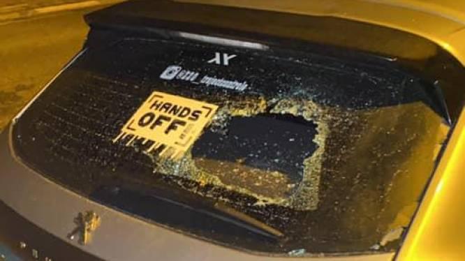 Vandalen slaan ruiten in van Levi's (19) auto