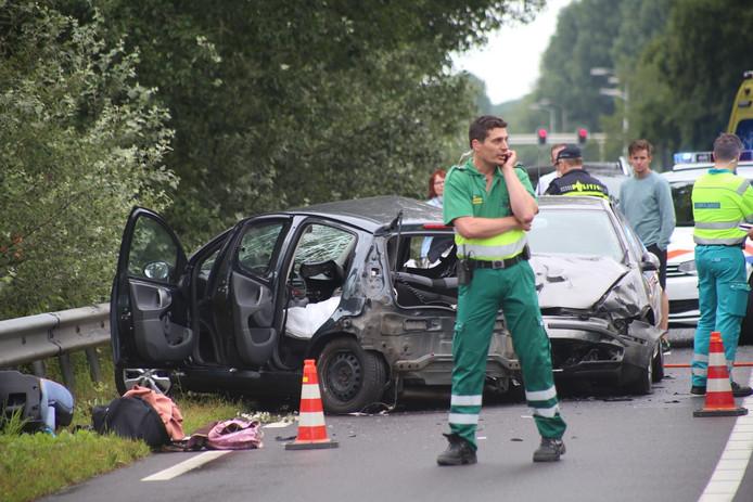 Een vrouw is om het leven gekomen na een auto-ongeluk op de N729