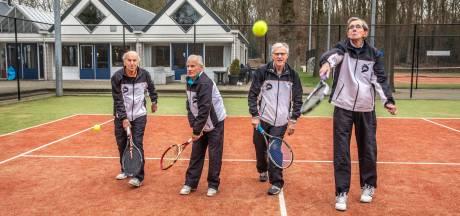 Een tennisteam van tachtigers, dat kan alleen in Zwolle
