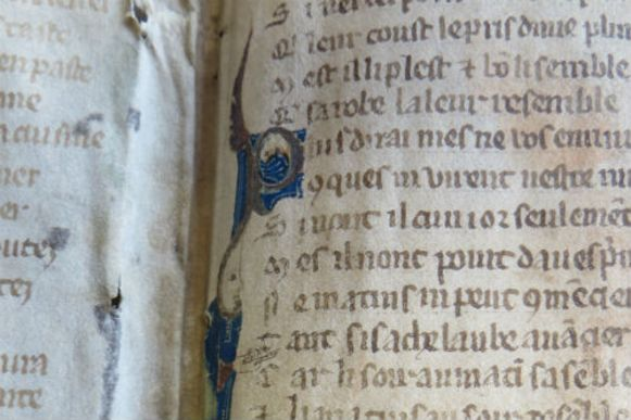 Vermoedelijk werden de fragmenten uit het gedicht verwijderd, en ver weg in het archief verstopt, omdat het verhaal er zijn (erotische) climax bereikt.