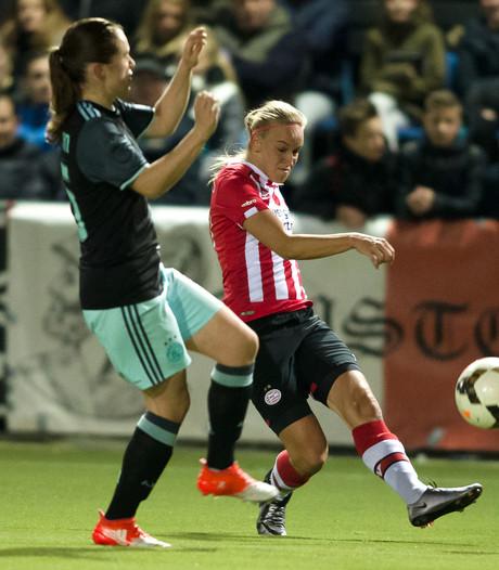 Voetbalsters PSV brengen Ajax eerste nederlaag toe
