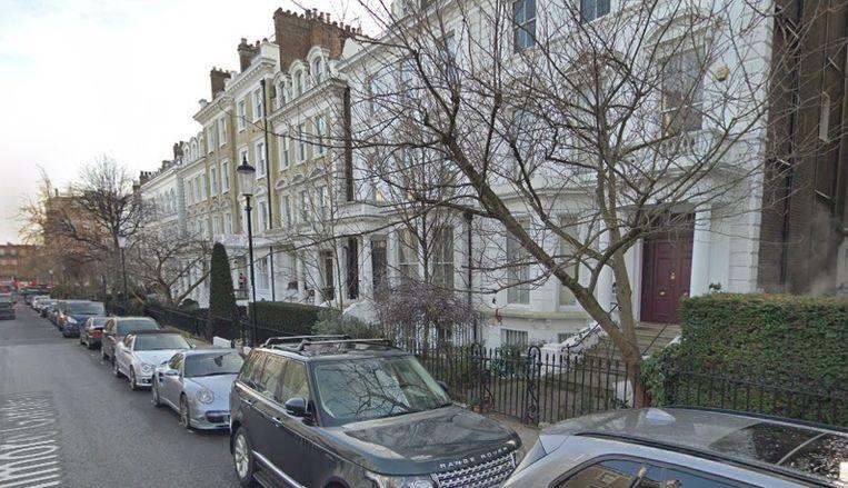 Het luxe-appartement van Elizabeth Sterling ligt in Phillimore Gardens in Kensington, een van de chiqueste buurten van Londen.