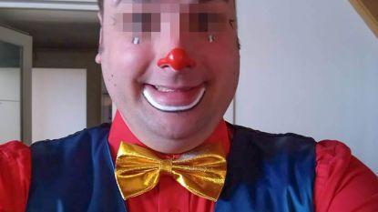 Moordende clown weigert medicatie te nemen en sterft in cel