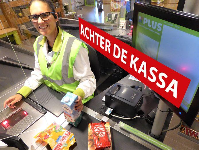Linda van Kempen is caissière bij PLUS Romijn in Kamerik