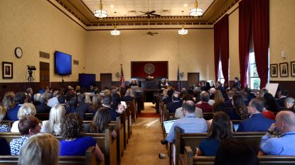 Oklahoma daagt farmareus Johnson & Johnson voor rechter om opiatencrisis