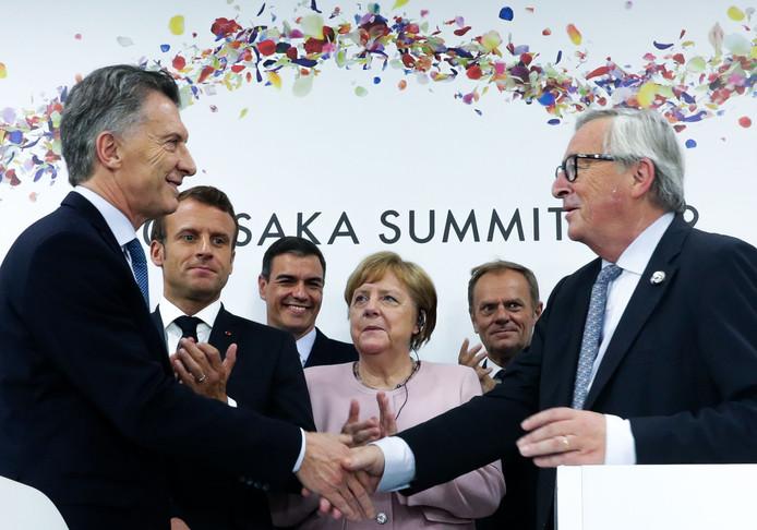 Le président argentin Mauricio Macri et le président de la Commission Jean-Claude Juncker