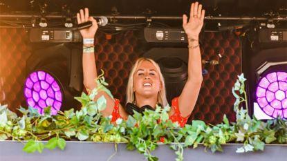 """Kat Kerkhofs krijgt kritiek als dj op Tomorrowland: """"Maar ze geeft dat optreden volledig gratis"""""""