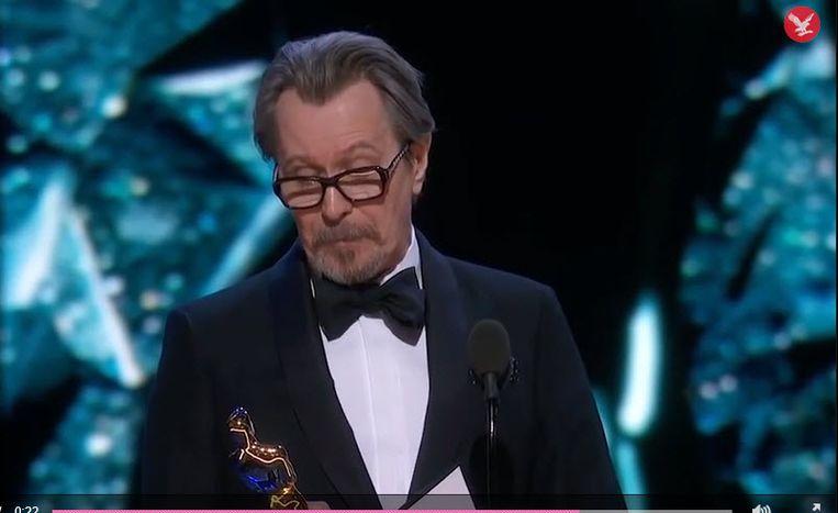 Gary Oldman met zijn Oscar voor beste acteur. Beeld rv