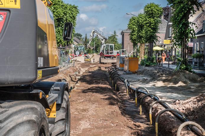 De renovatie aan de Dorpsstraat in Wanroij in 2018. Daarbij werd de riolering ook vervangen.