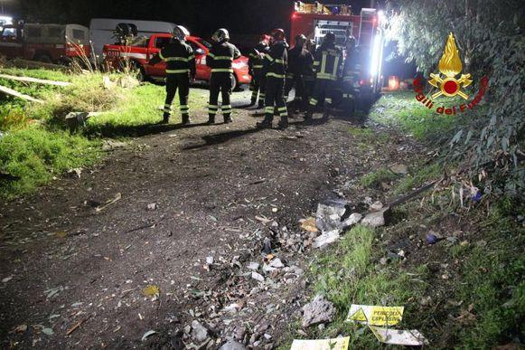 Over de oorzaak van de explosie bestaat nog geen duidelijkheid, maar mogelijk liggen vonken van lasapparatuur aan de basis, aldus de politie.