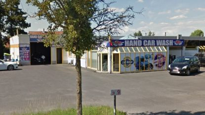 """Zaakvoerder van carwash riskeert jaar cel voor mensenhandel: """"Matrassen werknemers lagen op de grond"""""""