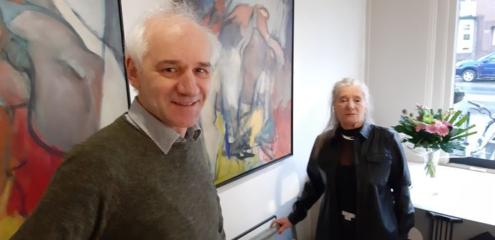 Godfried van Oostrom en Wies Hendriks van galerie en kunstuitleen De Pook