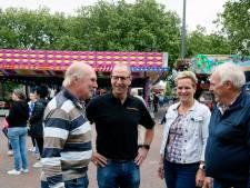 Zevende generatie met attracties op de kermis in Herwijnen