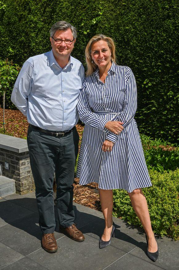 Dokter Alain Bogaert en zijn echtgenote, apothekeres en schepen Kathleen Depoorter.