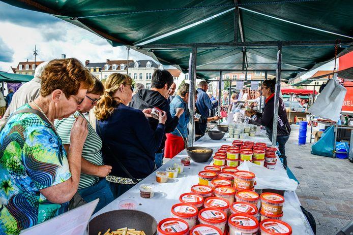 De Kaasmarkt in Brugge lokte 25.000 bezoekers.