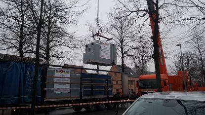 Ovens van 5 ton worden met gigantische kraan geleverd bij Bakkerij Belmans