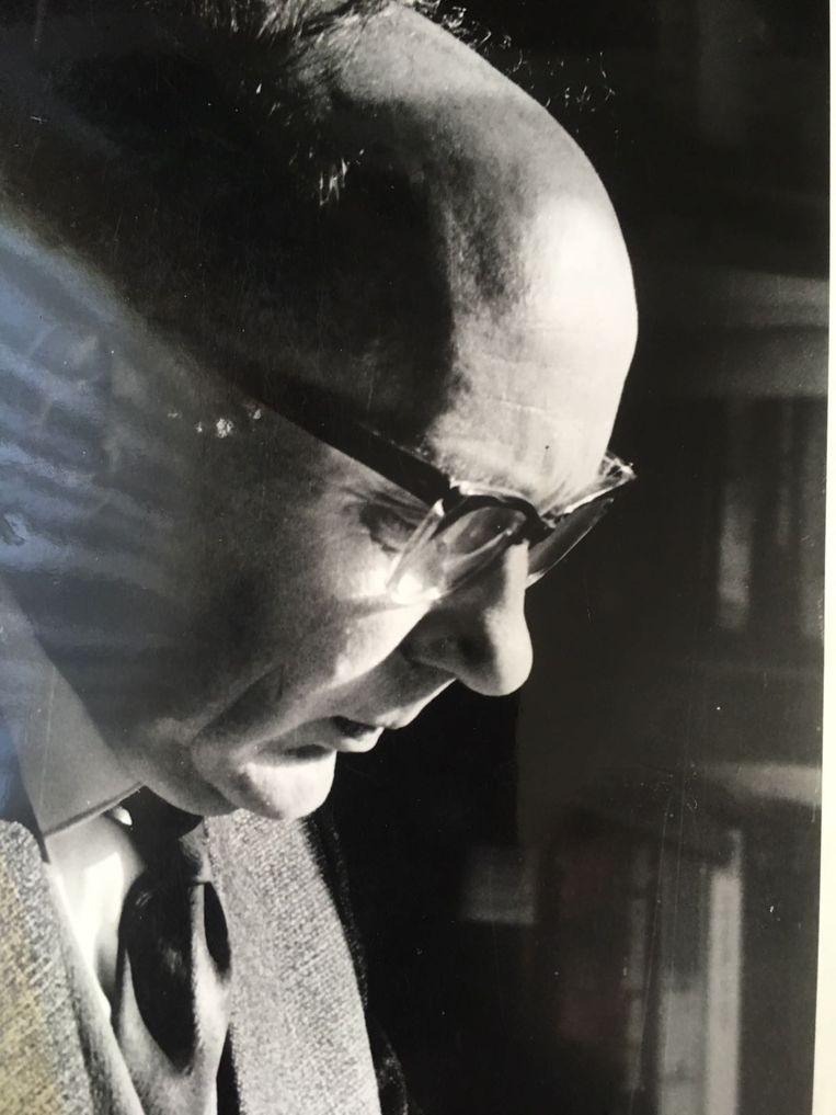 Cor van der Linden in de jaren zestig. 'Ik zag hoe geknakt mijn vader was', vertelt zijn dochter Ada. 'Mijn vader is na zijn ontslag nooit meer de oude geworden.'  Beeld