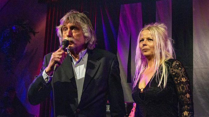 Op zondag 30 april 2017 werd tijdens Johan Derksen's Sunday Blues in Café Hofsteenge in Grolloo de Dutch Blues Award 2017 Vocalist(e) uitgereikt aan AJ Plug. Na een bezielende inleiding door Janny van Doorn werd de Award door Johan zelf aan de Katwijkse schone overhandigd.