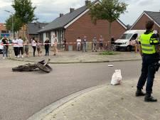 Vrouw zwaargewond bij aanrijding met scheurende crossmotor in woonwijk Den Bosch, bestuurder op de vlucht