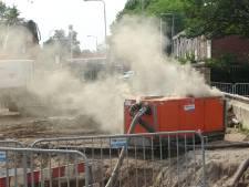Brandende grondwaterpomp zet bouwterrein in Meppel in de rook