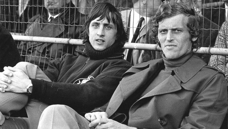 Piet Keizer (l) en Johan Cruijff (r), de voorbereider en de afmaker. Beeld ProShots