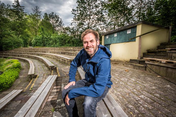 Geurt Kersjes, organisator van Have A Nice Day, op de nieuwe locatie in openluchttheater Galgenveld.