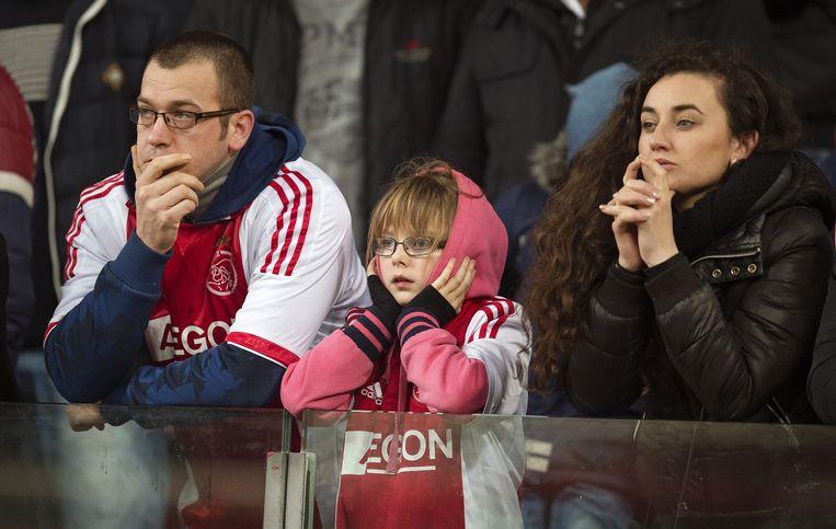 Supporters zagen Ajax verliezen in de wedstrijd tegen Vitesse. Beeld anp