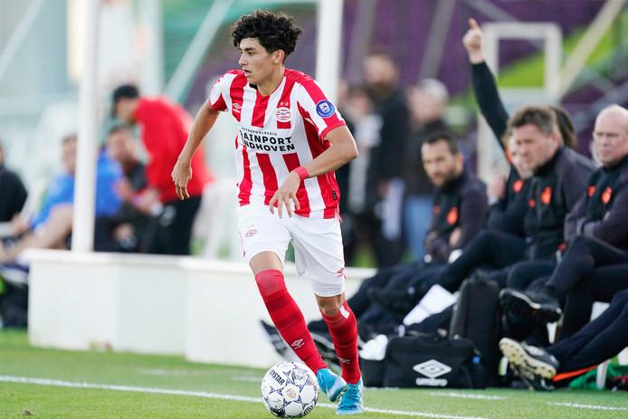 Richie Ledezma in actie voor PSV in Qatar.