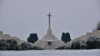 Sneeuwtapijt maakt Tyne Cot Cemetery nog indrukwekkender