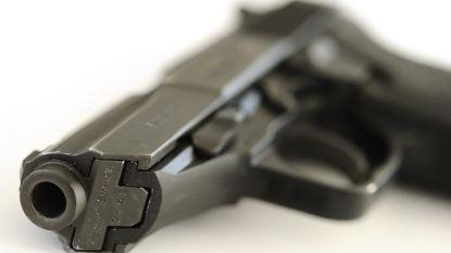 Niet-vergund vuurwapen aangeven bij politie