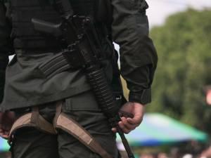 Licencié, il débarque lourdement armé au siège de son ex-employeur et sème la terreur