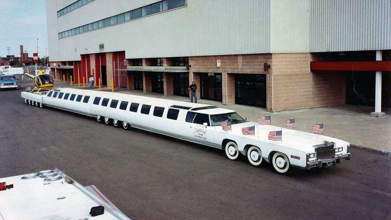 De langste auto ter wereld in betere tijden.  Achteraan kon een helikopter landen.