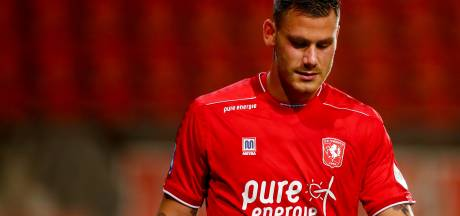 FC Twente moet geblesseerde Dumic wekenlang missen