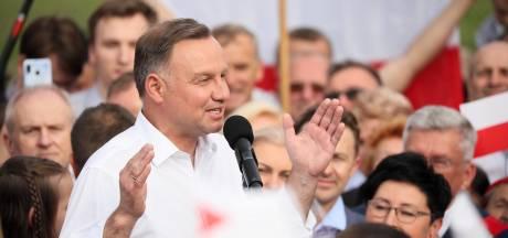 Poolse president krijgt 'prankcall' van Russische grappenmaker: 'Annexeer stuk Oekraïne'