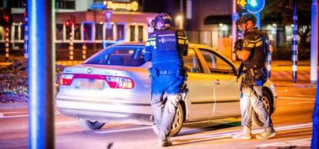 Agenten trekken vuurwapens tijdens aanhouding midden op Boschdijk in Eindhoven