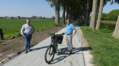 Stad legt nieuw stuk fietspad aan langs Vaart Links: in één beweging van Deinze naar Merendree